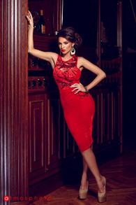 Rn 32 rochie trei sferturi catifea rosie