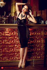 Rn 50 rochie trei sferturi catifea neagra si dantela