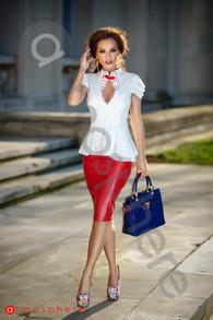 Bln 33 bluza alba fagure si strasuri rosii