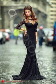 Rn 180 rochie lunga dantela neagra sirena cu tul nude si cristale