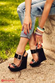 Sandale cu talpa ortopedica negre lacuite cu catarama aurie YX-W4