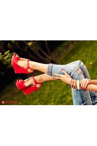 Sandale cu talpa ortopedica rosii si accesoriu auriu pe toc 628-13r