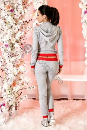 Trening casual bumbac rosu cu mickey mouse Tr 1043 Trening bumbac gri cu broderie florala rosie Tr 1044