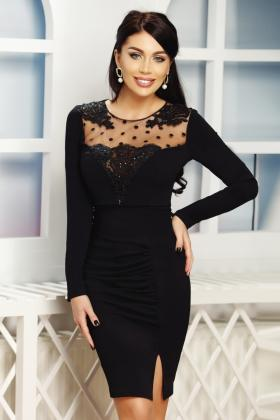 Rochie baby-doll neagra cu broderie florala aurie Rn 916 Rochie trei sferturi neagra cu broderie la bust Rn 2156